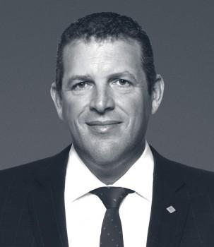 Darren-Hutchins new tie