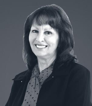 Lynne Groenendaal New Scarf Web