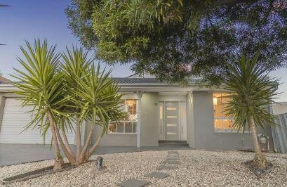 Real estate agents Roxburgh Park VIC 3064