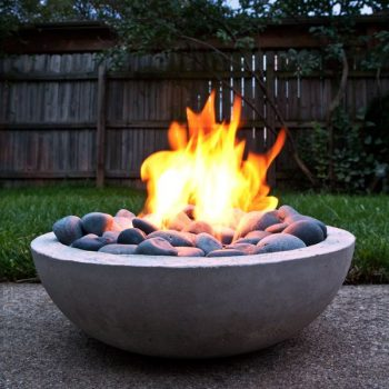 Outdoor curved firepit